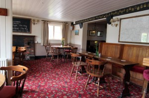 The Kentish Horse bar area serving real ales, cider and a selection of wines, spirits and soft drinks